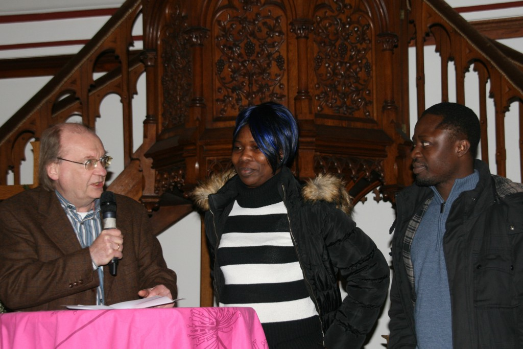 Pfarrer Lauer, Mercy Ibrahim und Pastor Raymond; Foto: Ev. Kirchenkreis Duisburg, Merkelt-Rahm