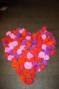 Das große Herz aus Rosenblüten